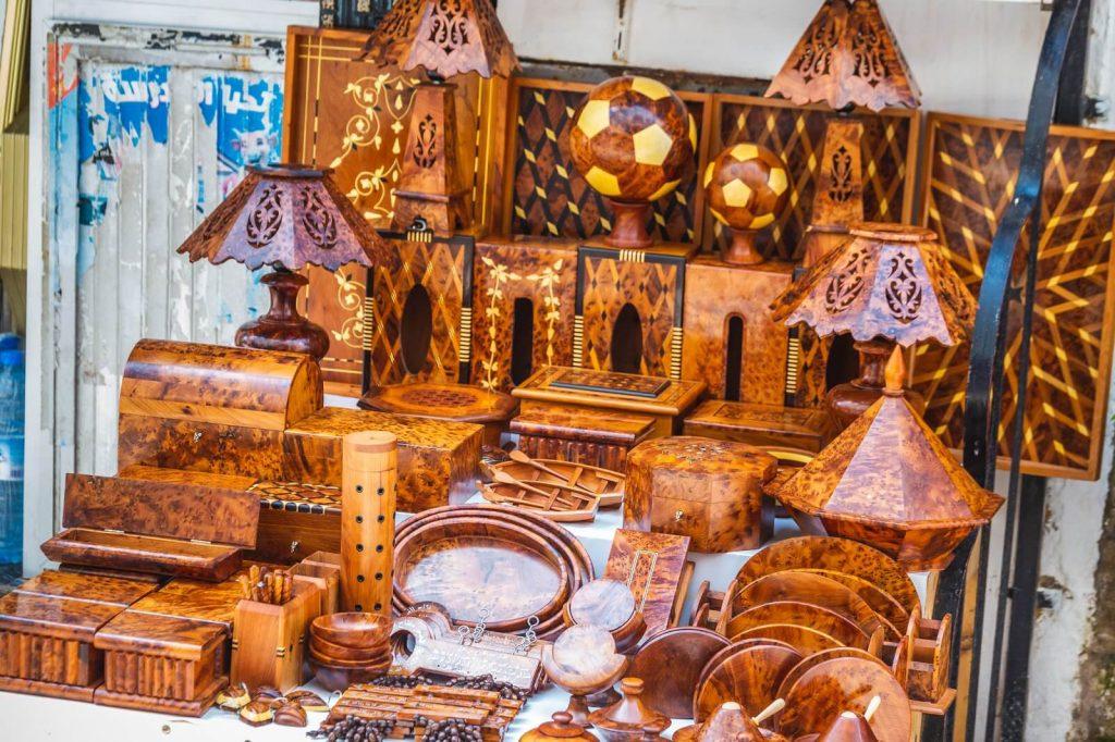 כלי עץ בשוק אסווירה, קניות במרוקו